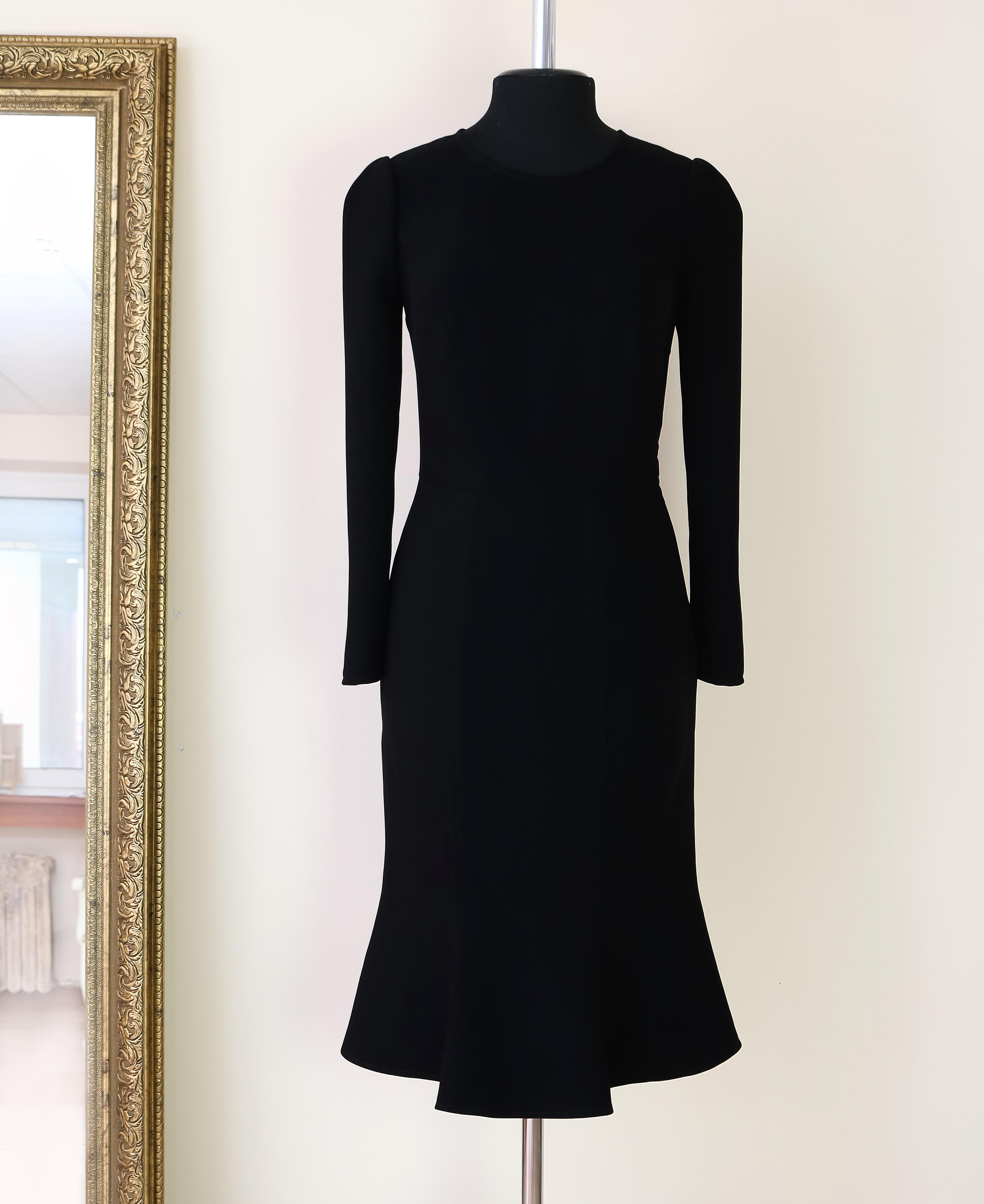 37e6fdbd7247 итальянский стиль, dolce vita, черное классическое платье, платье с юбкой  годе, юбка
