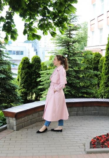 плащ, красивый плащ, купить плащ, розовый плащ, розовый плащ ульяна сергеенко, красивый плащ, стильный плащ, raincoat, pink raincoat, пошив плаща, швейное ателье минск,  женский плащ, ку raпить женский плащ, 50s stylе, 50s fashion, vintage fashion, parisienne style, стиль парижанки, французский стиль, катрин денев, стиль катрин денев, стиль одри хэпберн