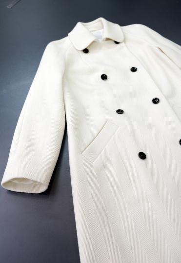 белое пальто, пальто 2018, весна 2018, демисезонное пальто, демисезонное пальто минск,купить кашемировое пальто в минске , пошив пальто , дизайнерское пальто купить, пальто белого цвета , пошив пальто москва, купить женское пальто минск, купить женское пальто в минске, купить весеннее пальто
