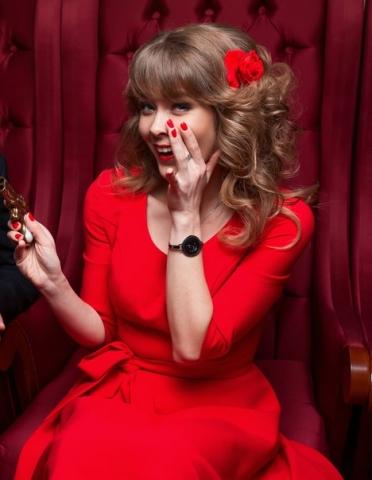 Красное платье для Дины
