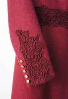 Шерстяное платье цвета марсала - рукав с золотыми пуговицами - пошив одежды