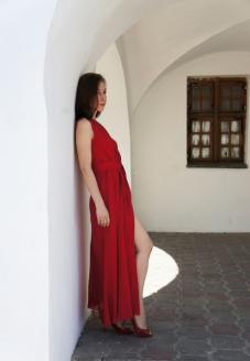 Платье красное, вечернее вид спереди - пошив одежды