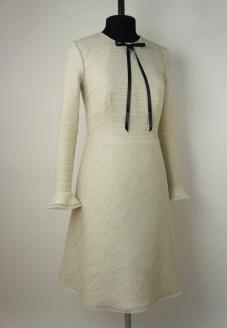 стиль Шанель, платье в стиле шанель ,повседневное платье, классический стиль, лучшее ателье в минске ,  индивидуальный пошив,красивое платье , нарядное платье ,платье с юбкой полусолнце , бежевое платье , твидовое платье